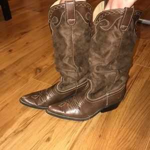 Your FAVORITE Cowgirl Suede Boots